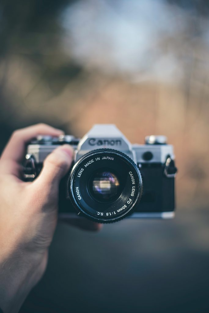 how to use Canon DSLR camera for beginners